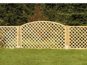 Gartenzäune aus Holz - populäre Lösungen